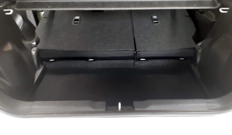 Suzuki Swift PRIVILEGE 1.2 DualJet 90ch 16470€ N°S56950.5 complet